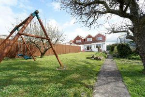 Property with large garden near Weston-super-Mare