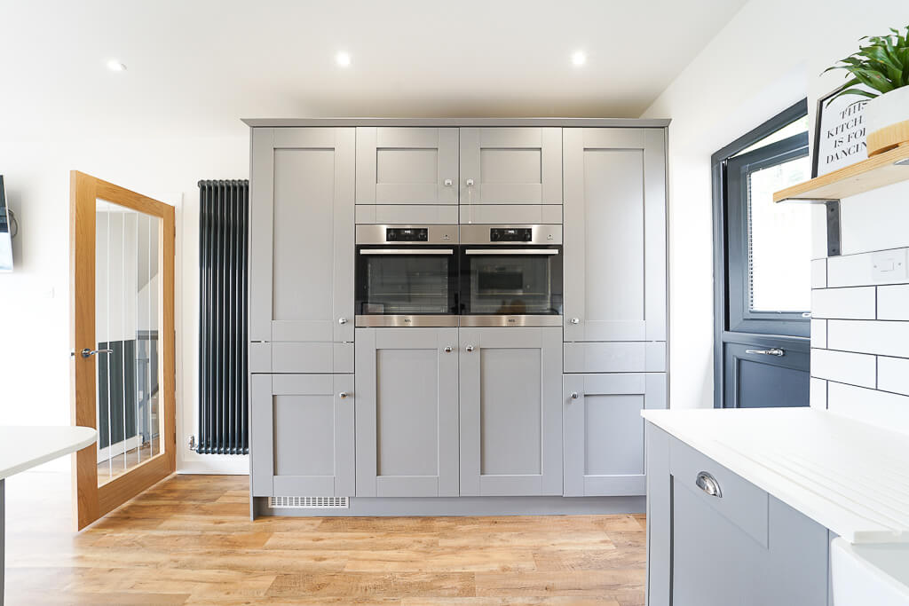 Built-in eye-level twin ovens